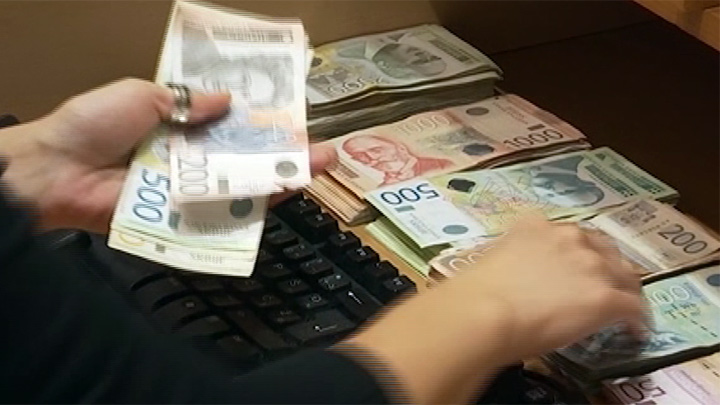 Za zaposlene isplata treće minimalne zarade