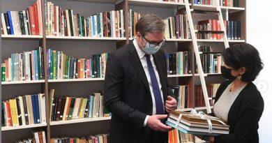 Posetu Bahreinu Vučić završio obilaskom Nacionalnog muzeja
